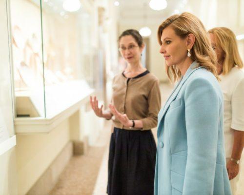 Перша леді ініціює створення українськомовних аудіогідів у музеях світу.