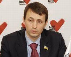 За 3-5 років з України може виїхати 25% медиків, якщо все залишити, як є.