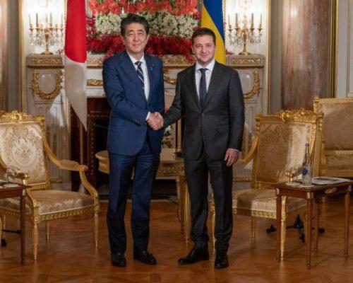 Україна зацікавлена у продовженні реалізації інфраструктурних проектів за підтримки Японії .