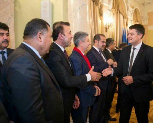 Ми боремось за територіальну цілісність, і з міжнародною підтримкою Україна зможе пройти цей шлях, – Дмитро Разумков.