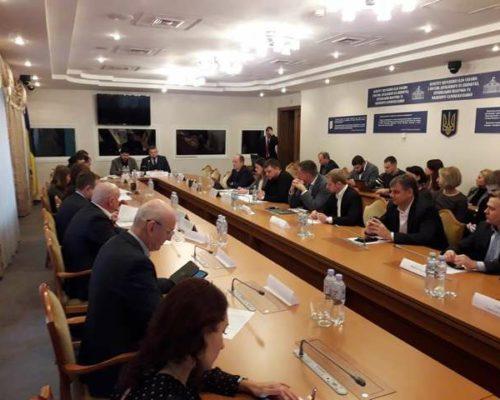 """Відбувся круглий стіл на тему: """"Інституціалізація лобіювання в Україні""""."""