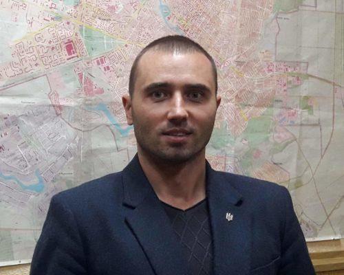 Начальнику спецінспекції Кропивницького кинули в двір два коктейлі Молотова .