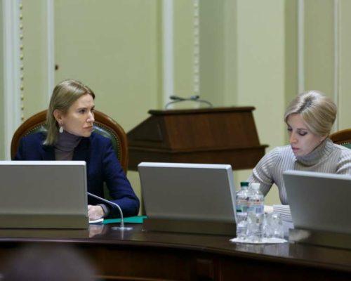В Україні існує дуже тонка межа між захистом права громадян на інформацію та наступом на свободу слова», – Олена Кондратюк.