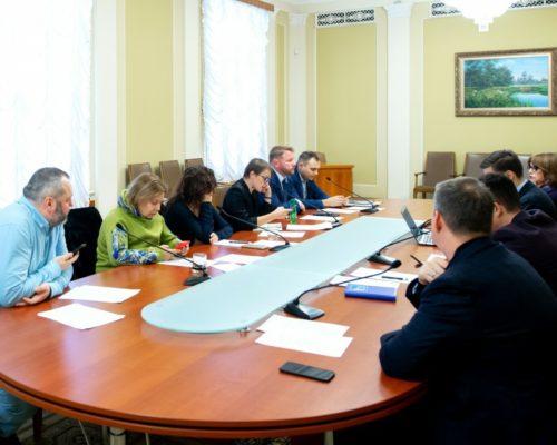 Рада з питань свободи слова заслухала інформацію про розслідування проваджень щодо погроз журналістам «Радіо Свобода».