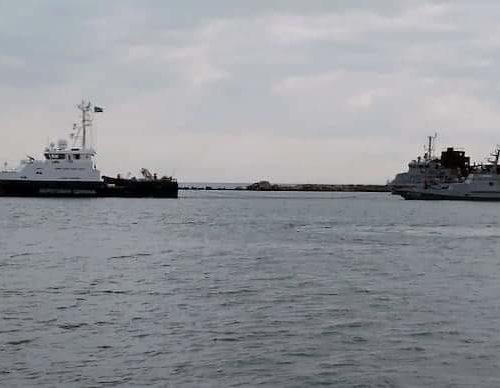 Почалося буксирування захоплених Росією в листопаді минулого року українських військових кораблів.