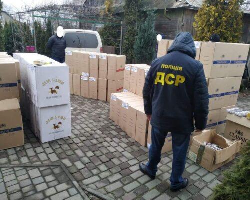 На території 4 областей України викрито масштабну схему постачання та реалізації тютюнових виробів з окупованої території .