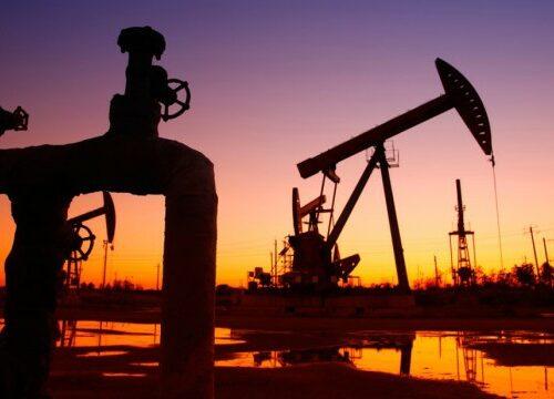 """Ціни на нафту обвалилися на 20% через початок """"нафтової війни"""" між Саудівською Аравією і Росією."""