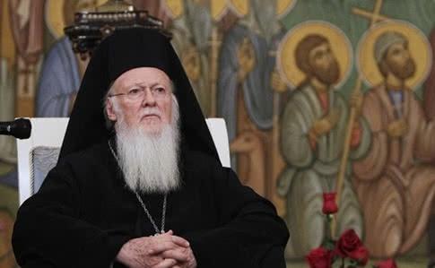 Вселенський патріарх наказав церквам припинити служби до кінця березня.