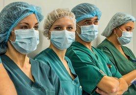 МОЗ залучає до боротьби з коронавірусом студентів-медиків старших курсів та інтернів.