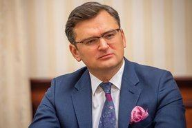 Українська делегація прибула до Берліна. На порядку денному деокупація ОРДЛО і Криму, євроінтеграція та історичні питання.