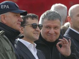 Зеленський вимагає від Авакова та Венедіктової зупинити насильство на вулицях України.