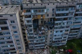 Пошкоджений вибухом будинок на Позняках може впасти, жителів відселять .