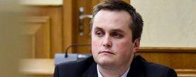 Керівник Спеціалізованої антикорупційної прокуратури (САП) Назар Холодницький написав заяву про звільнення.