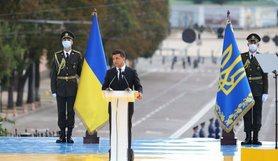"""Президент України Володимир Зеленський заявив, що відповідальні за здачу українських територій """"будуть давати свідчення""""."""