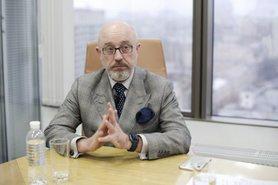 Включення особливого статусу Донбасу до Конституції – це шлях федералізації і втрати суверенітету України, – віцепрем'єр Резніков.