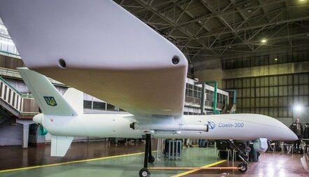 """Українська армія через рік може прийняти на озброєння український безпілотний летальний апарат """"Сокіл-300""""."""