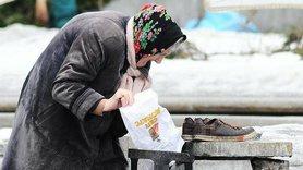 За підсумками першої половини 2020 року рівень бідності в Україні становив 51%.