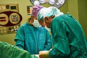 За оцінками експертів, з України від початку 2020 року поїхали понад 66 тис. лікарів і медичних працівників.