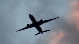 США попередили авіакомпанії про небезпеку польотів над Україною .