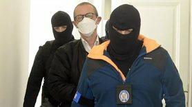Трьох осіб заарештували в Празі за участь у війні на Донбасі на боці терористів.