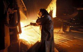 Україна пережила економічну кризу завдяки експорту металу та зерна.